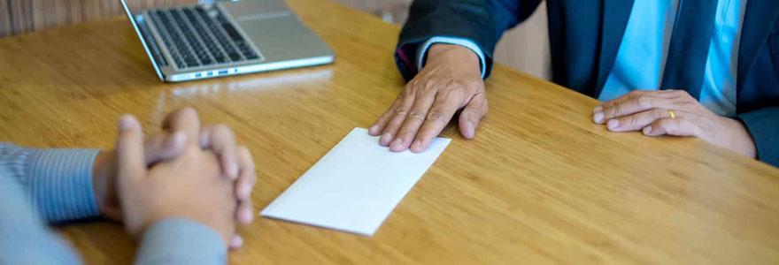écrire dans une lettre de démission